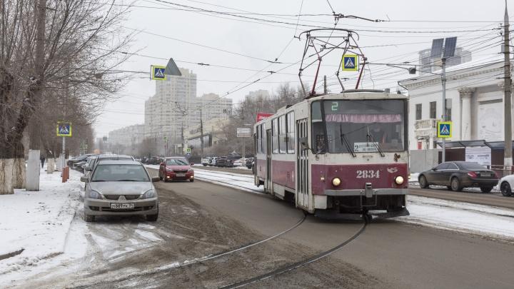 «До сих пор не починили»: в Волгограде жителей поселка Ангарский на неопределенный срок оставили без трамваев