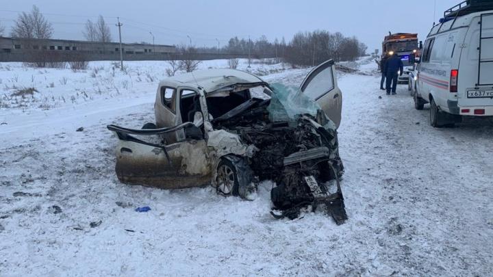 «Двигатель вылетел из одной машины и врезался в две другие»: подробности смертельного ДТП у ТЭЦ-6