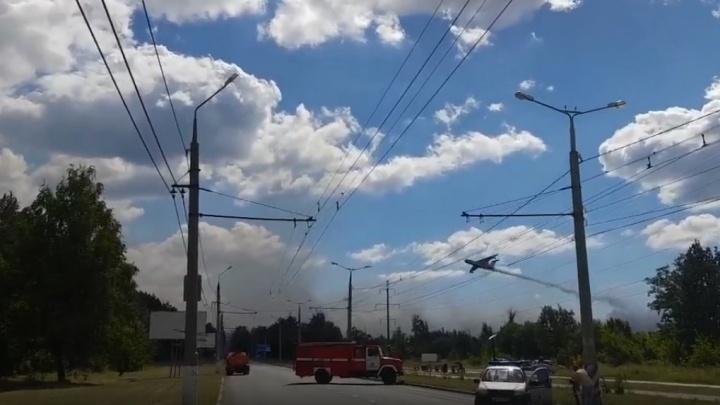 Самолет-амфибия МЧС России приступил к тушению пожара в Тольятти