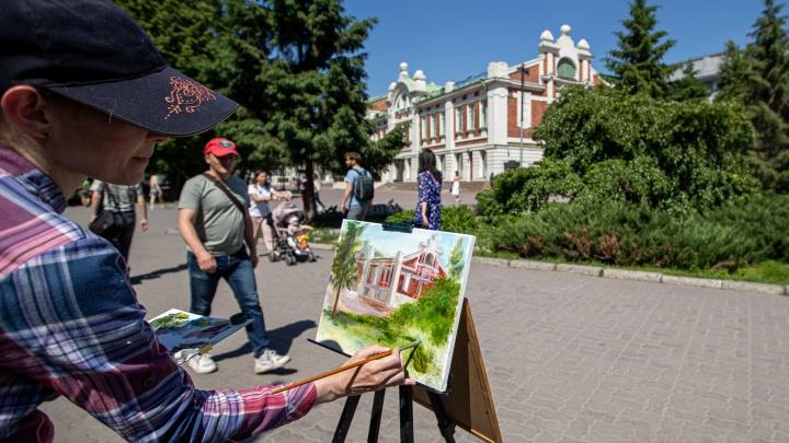 Новосибирск встречает лето — 10 теплых фотографий из парков и центра города