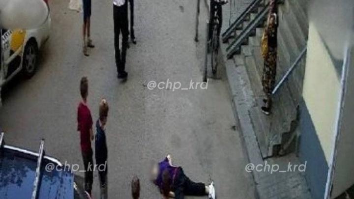 В Краснодаре мальчик выпал из окна многоэтажки на улице Репина и разбился