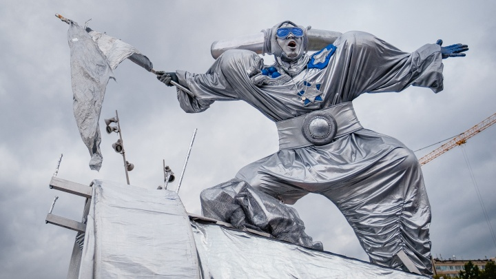 На пермской эспланаде пройдет фестиваль уличных театров «Флюгер». Пустят только с подтверждением отсутствия коронавируса