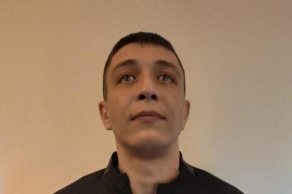 Сергей Камардин, по версии следствия, сбежал из колонии 15 сентября
