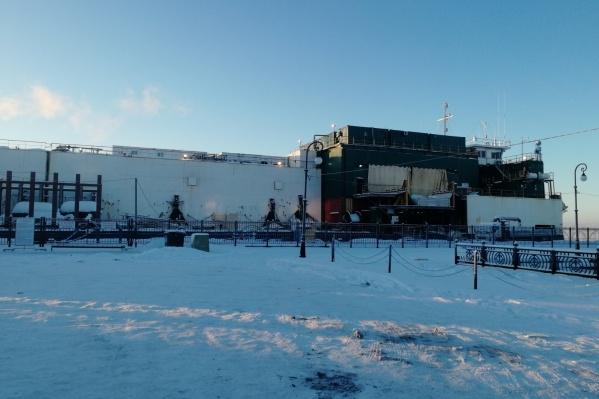 Судно 2007 года постройки находится на Красной пристани