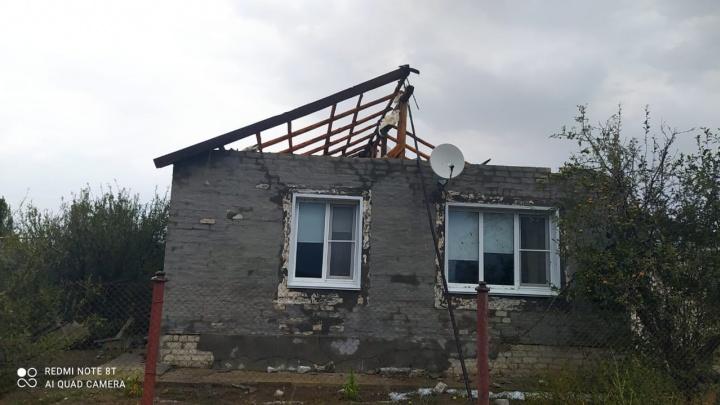 Сорваны крыши, отключено электричество: в Волгоградской области устраняют последствия бури
