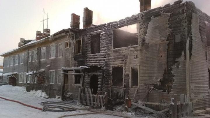 Четыре человека погибли в пожаре в Ломоносово Холмогорского района