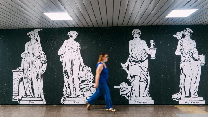 В омском метропереходе открыли новую выставку. Ее посвятили железной дороге