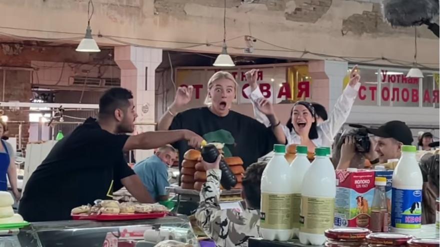 Настя Ивлеева снимает новый сезон шоу «Блогеры и дороги» в Майкопе