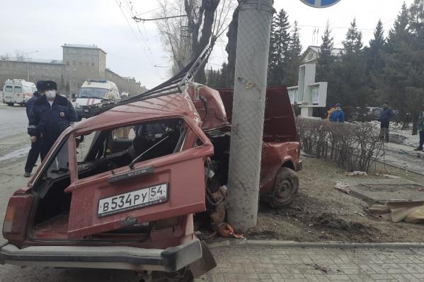 Авария произошла около 16:00