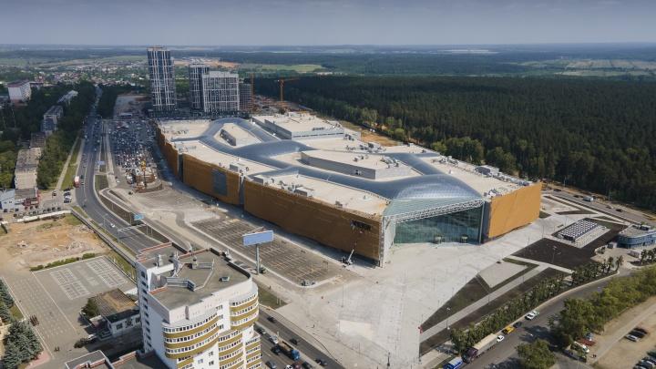Второй «Гринвич». Строители сняли, что находится внутри нового гигантского торгового центра