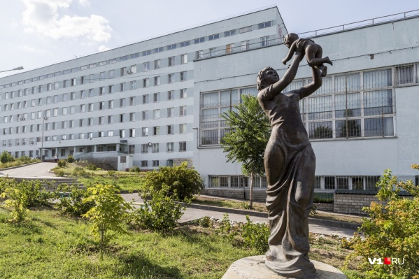 На этот раз без работы остались несогласные с вакцинацией сотрудники областной детской больницы