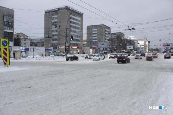 Перекресток улица Гоголя — Красный проспект