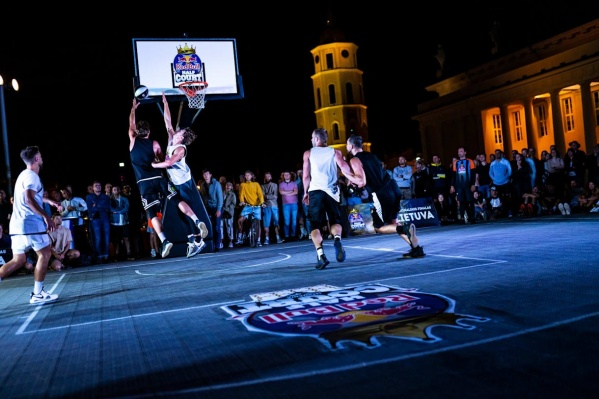 В субботу и воскресенье в Екатеринбурге будут выбирать лучших игроков в баскетбол в формате 3х3