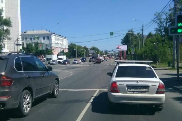 Худякова — одна из самых загруженных улиц Челябинска