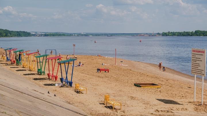 Пермские спасатели за неделю спасли на пляже двух мужчин и подростка