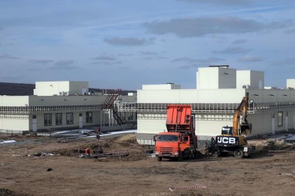 Министр заявил, что по нормативу такие объекты должны строиться за три года, а ростовскую больницу возведут всего за год<br>