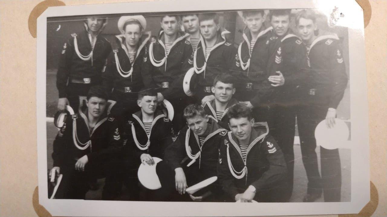 фотография из выпускного альбома 62 класса ЛНВМУ, 1985 год / предоставлено Сергеем Зелениным