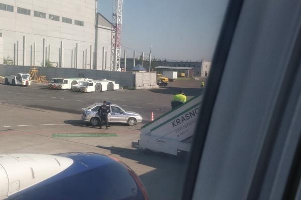 Мужчину увезла полиция