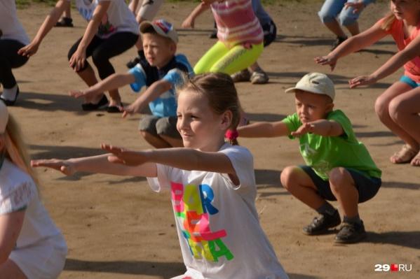 Детей предложили отправлять в лагеря Крыма, Кубани и Приморского края
