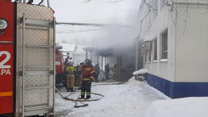 В Самаре ликвидировали пожар на складе фармацевтической компании