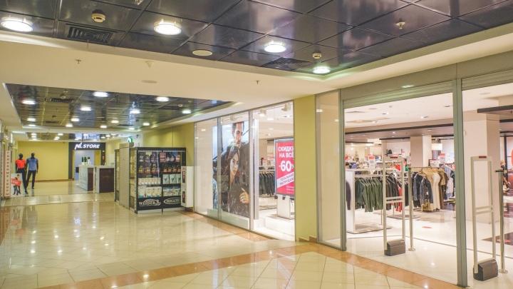 Роспотребнадзор нашел нарушения антиковидных мер в пермских торговых центрах и фитнес-клубах