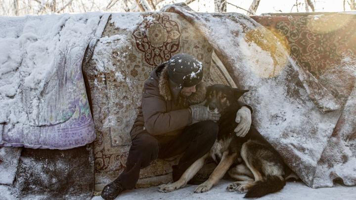 Тоже люди: смотрим, как бездомные выживают в -30°С в Челябинске