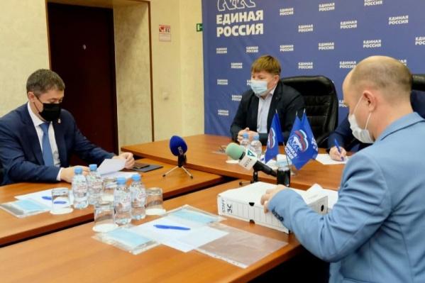 Дмитрий Махонин в отделении партии