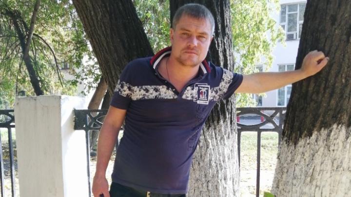 Владимир Санкин, которого обвиняют в убийстве педофила в Уфе, похудел и поседел в СИЗО, — его мама