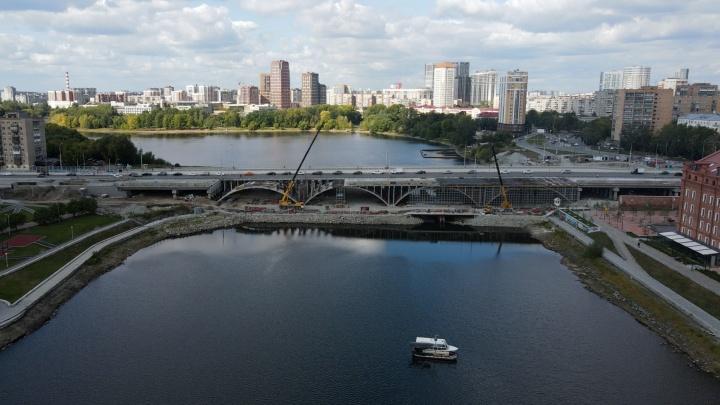 А точно поедем? Летаем над Макаровским мостом, который осенью обещали открыть для автомобилей