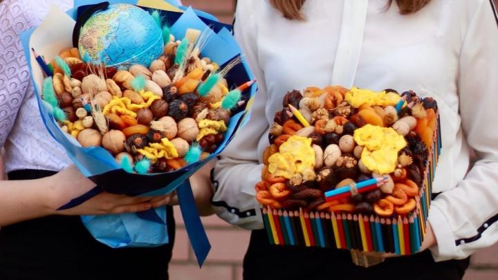 Что подарить учителю вместо цветов? Смотрим, как еще можно поздравить преподавателей с 1 Сентября в Нижнем