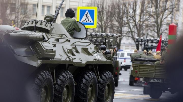 Парад Победы в Ярославле: как прошло шествие — в самых ярких кадрах