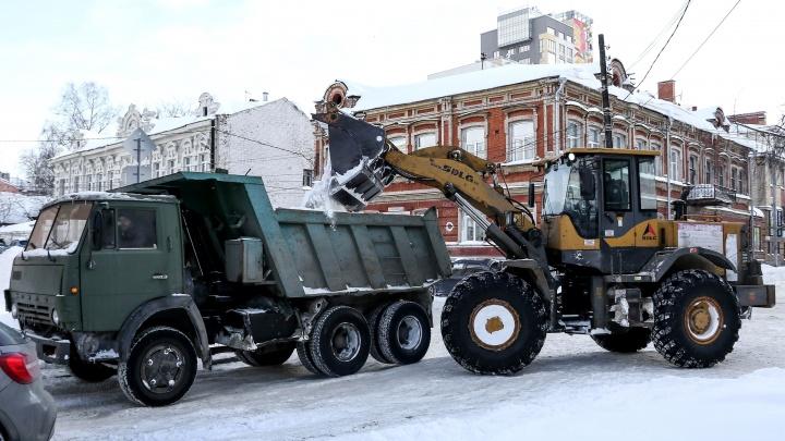 Спустя неделю после снегопадов коммунальщики представили план по уборке улиц