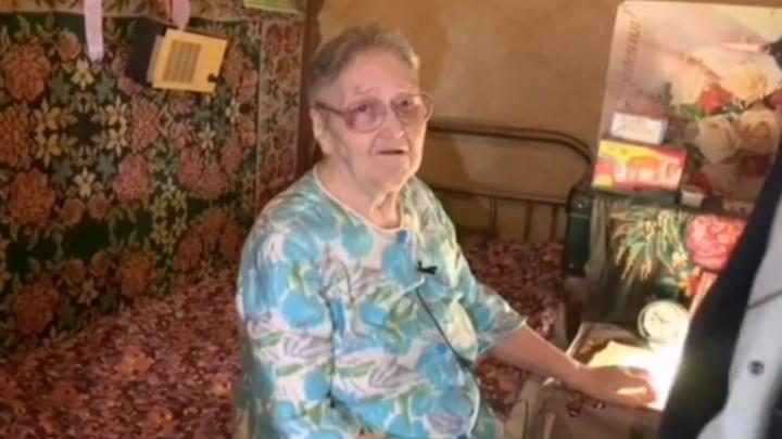 В Ростове 89-летняя бабушка осталась одна в аварийном доме