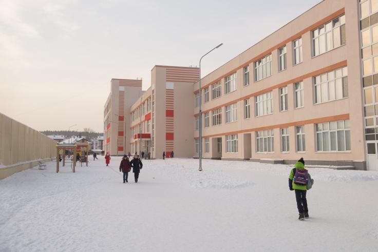 В «Мичуринском» открыт первый в городе образовательный центр. Второй, только уже с бассейном, строится рядом с «Меридианом»