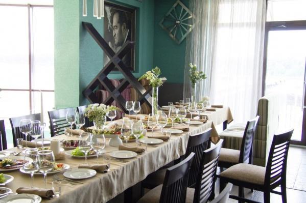 Собственник ресторана Станислав Медведев объяснил закрытие ресторана желанием сменить деятельность