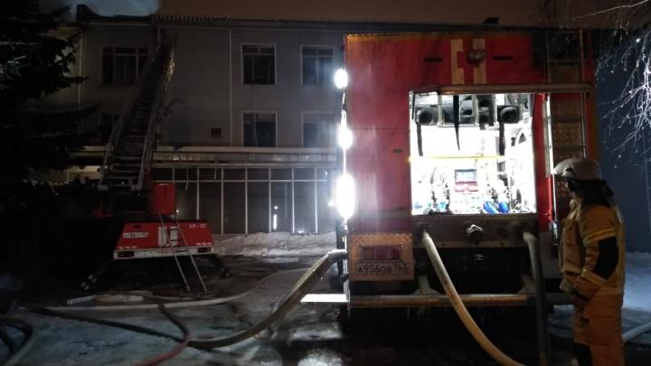 «Назначена судмедэкспертиза»: следователи начали проверку из-за смерти на пожаре в бывшем ГПЗ-9