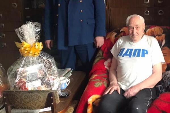 Грабитель после избиения отнял у мужчины 20 тысяч рублей