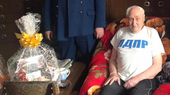 Уголовное дело возбуждено по факту нападения на 94-летнего ветерана ВОВ в поселке под Красноярском