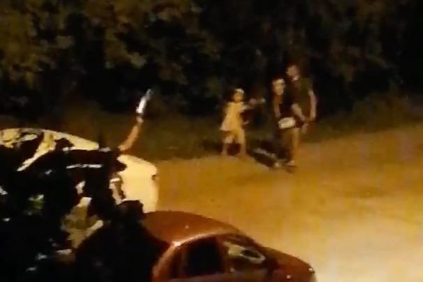 «Он остановился и достал пистолет»: в Волгограде конфликт таксиста и пассажиров закончился стрельбой