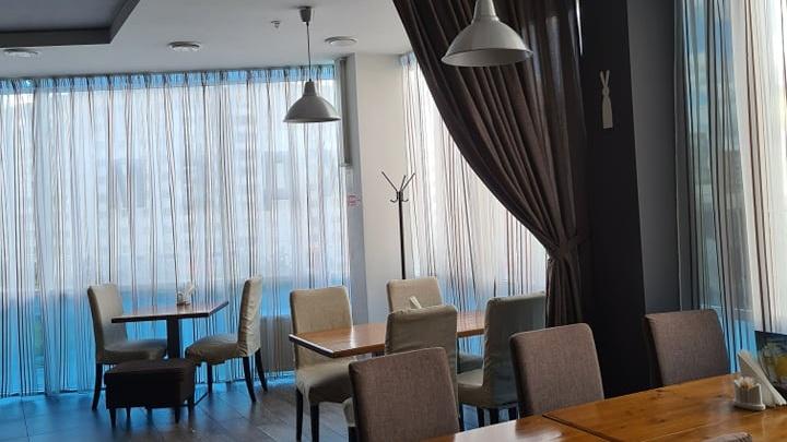 «Глаза еле открывались»: в пермском ресторане гости получили ожоги роговицы от озоновой лампы