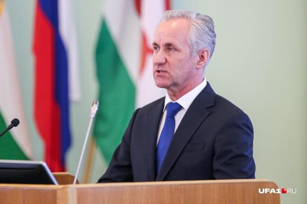 Сергей Греков посоветовал управляющим компаниям везде установить общедомовые приборы учета