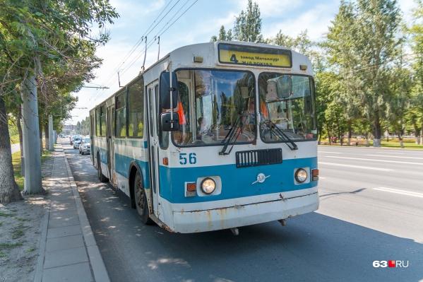 Четверка — один из троллейбусов, которые ходят по Московскому шоссе