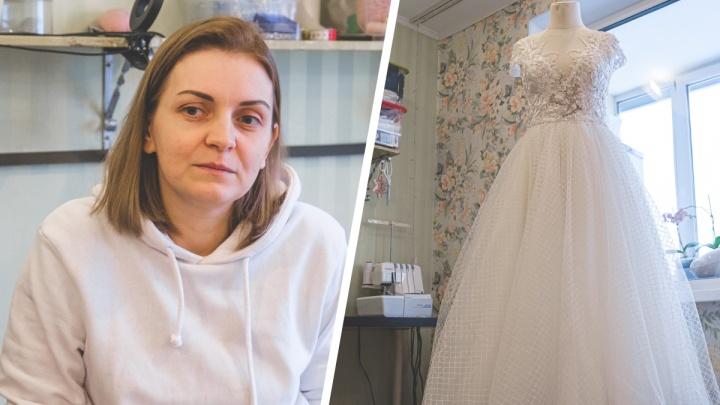 Пермячка шьет свадебные платья, на которые уходит до ста часов работы. С ними она стала призером всероссийского конкурса