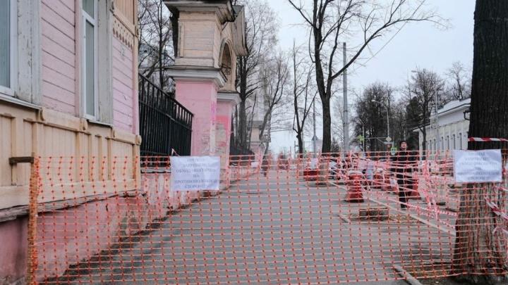 На фасадах исторических зданий в Перми появятся таблички с QR-кодами для сбора средств на реставрацию