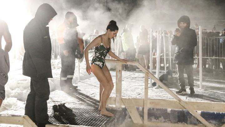 Когда в проруби теплее, чем на воздухе: как прошли крещенские купания в Нижнем Новгороде