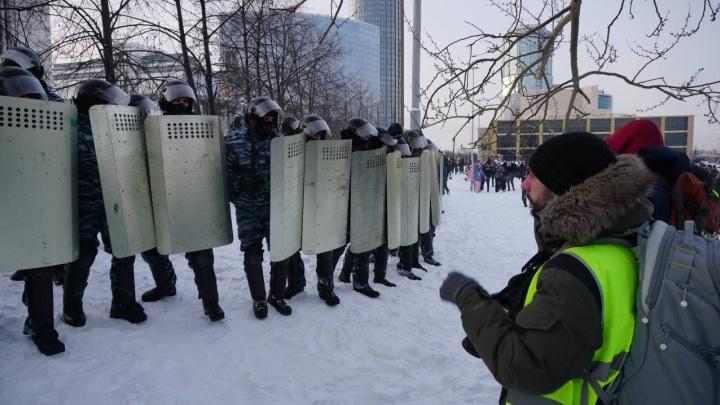 Пропавший во время митинга в Екатеринбурге фотограф рассказал, как его задерживали