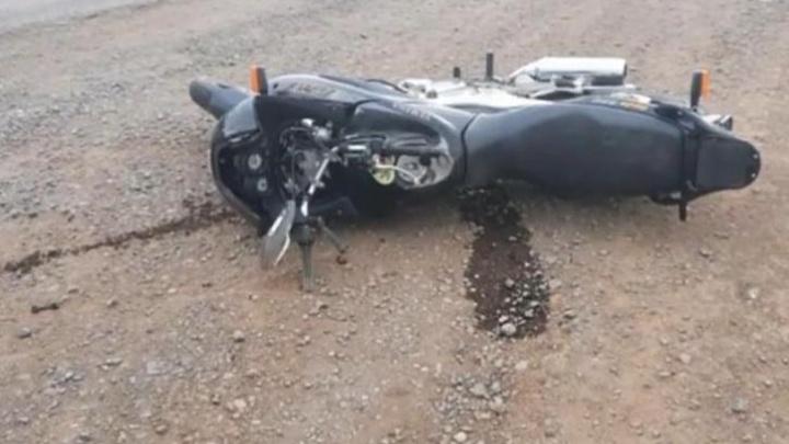 В Башкирии женщина за рулем иномарки насмерть сбила мотоциклиста. Момент попал на видео