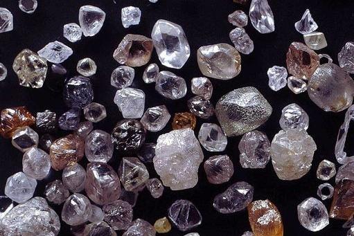 """Технические алмазы были обнаружены в <nobr class=""""_"""">1970-х</nobr> годах"""