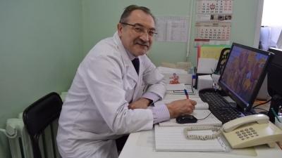 «Радоваться рано: никуда коронавирус не исчезал». Инфекционист рассказал, когда Уфу накроет третьей волной коронавируса