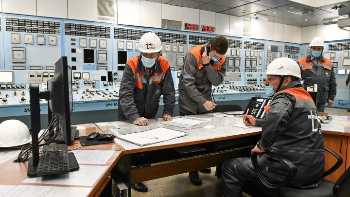 Как 9-этажные котлы и 20-метровые турбины делают горячими батареи в домах Екатеринбурга